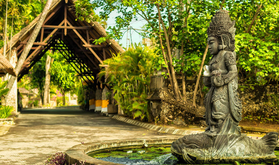 Romantic hotels in Bali: Fall in love with The Oberoi Seminyak and Lombok