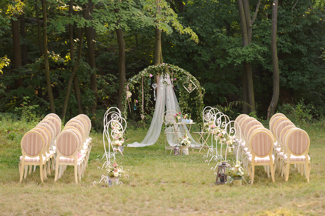 Wedding vendors a quick guide to reading and signing contracts wedding vendors a quick guide to reading and signing contracts junglespirit Image collections