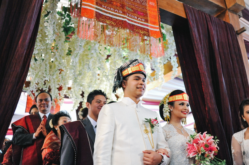 Weddings In Indonesia A Guide To Customs And Etiquette At