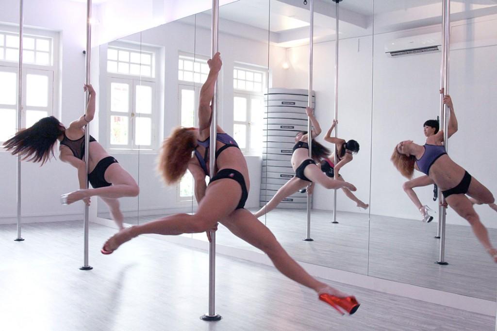 Milan-pole-dance