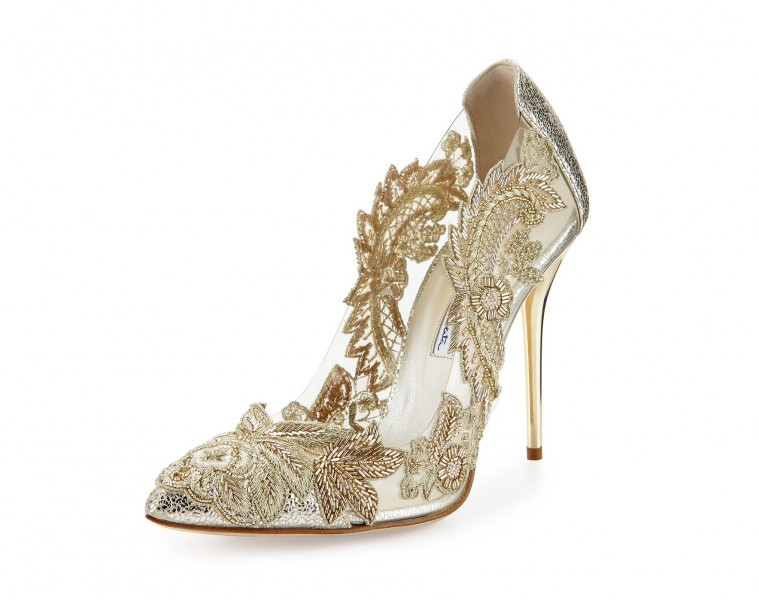 Oscar de la Renta 'Aylissa' crystal-embellished pump, S$1,811.10, available at Neiman Marcus