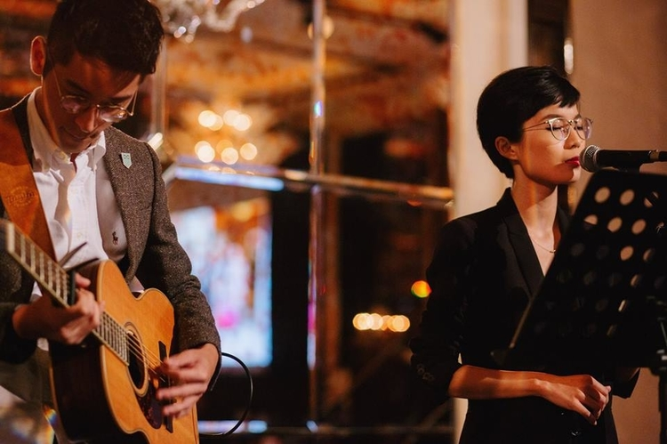 Wedding singers and bands in Singapore: A Little Dream