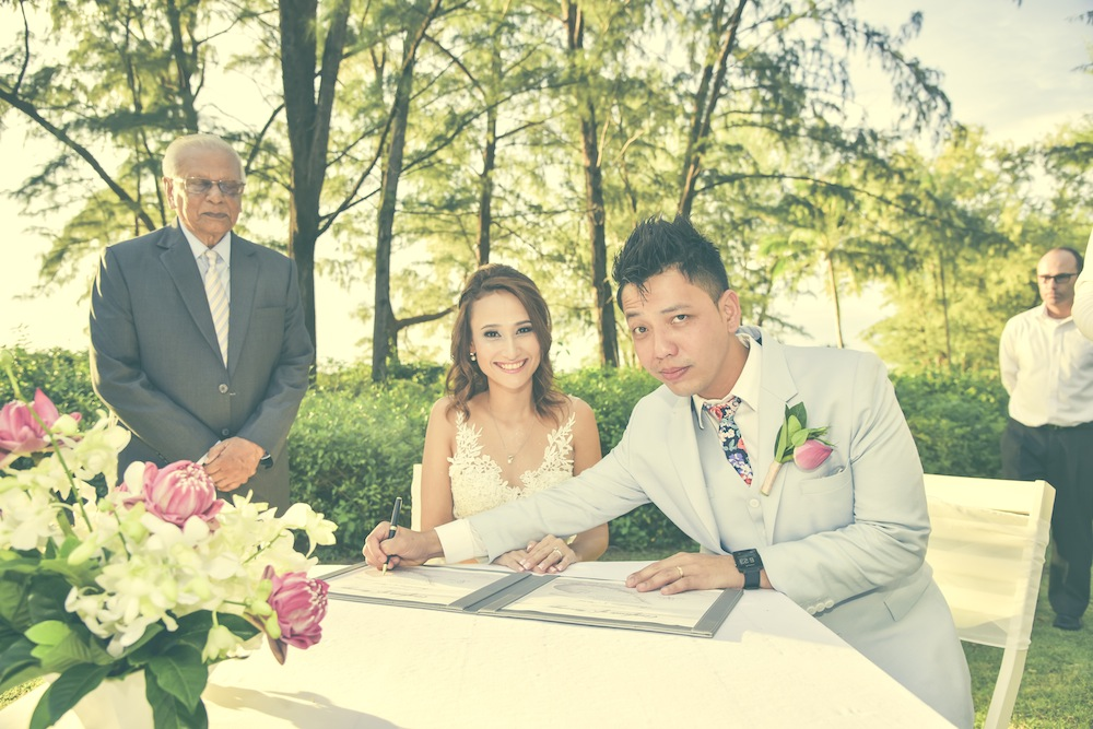 Real weddings in Thailand: Bernadine and Fairil's intimate beachfront wedding in Phuket Honeybrides