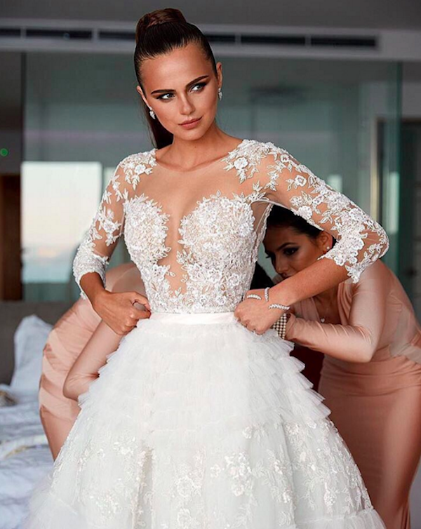 Real weddings in Greece: Xenia Deli's lavish 1 million dollar wedding in Santorini