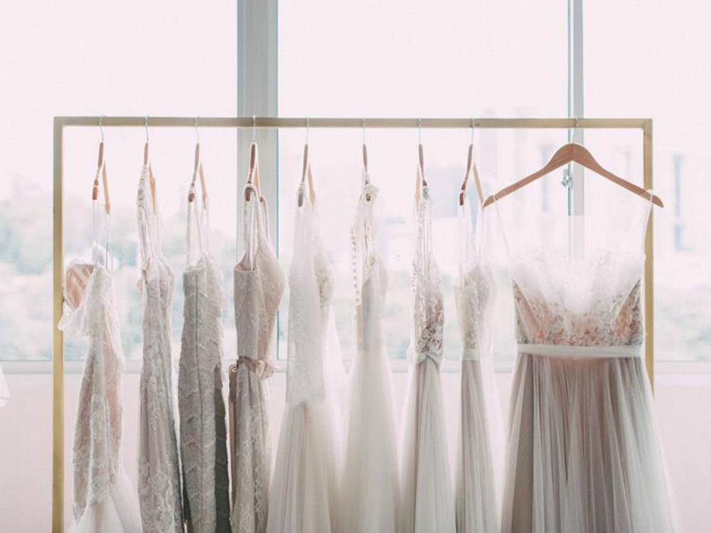 Bridal boutiques in Singapore. Lunapompom