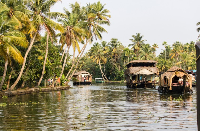 House boat honeymoon in Kerala