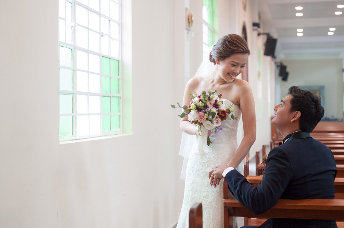 Real Weddings Singapore: Real Wedding: Donovan And Victoria's Rustic Church And