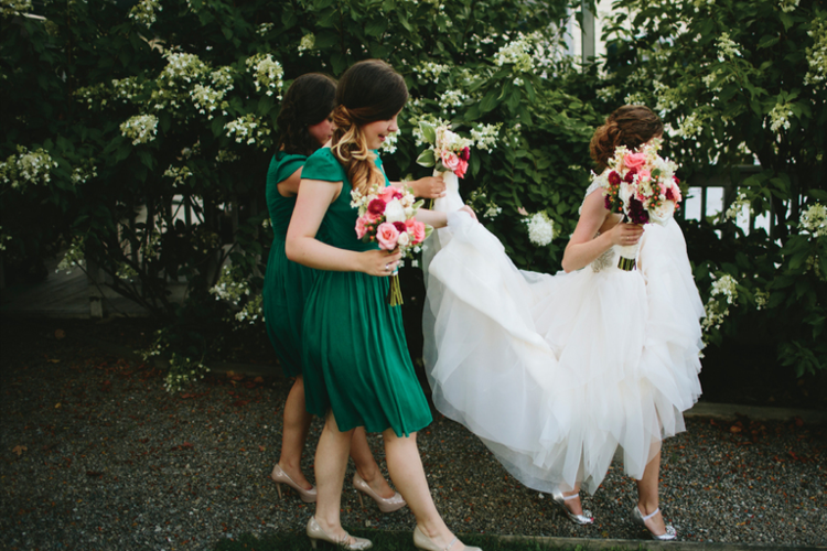 Bridal tips and tricks: How to walk in high heels and tight wedding ...