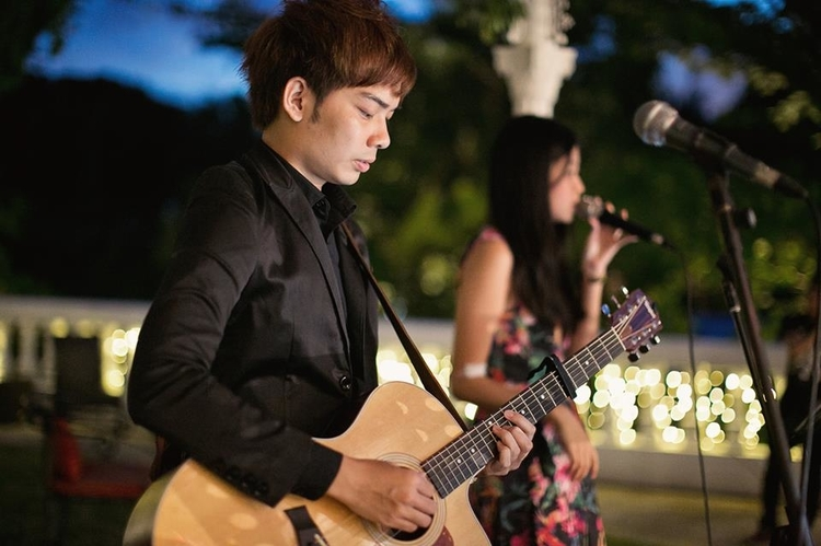 Wedding singers and bands in Singapore: Ivan and Levine