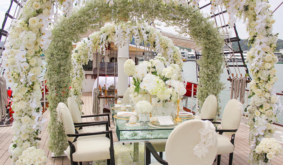 Yacht wedding in Singapore: Royal Albratross